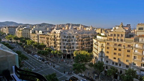 Paseo de Gracia in Barcelona, with Casa Milà in the middle