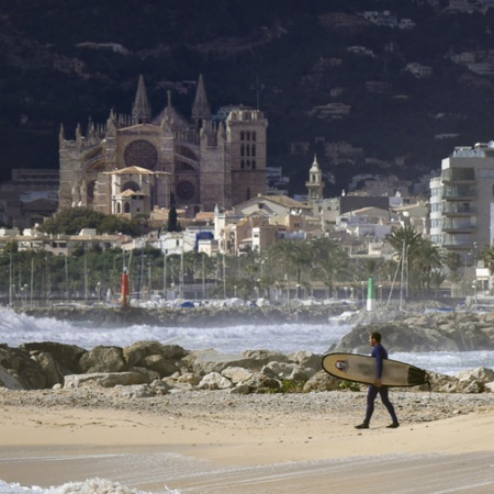 Playa de Palma overlooking the Cathedral