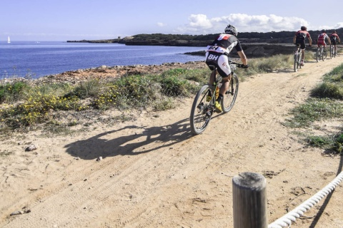 Internationale Ibiza-Tour mit dem Mountainbike