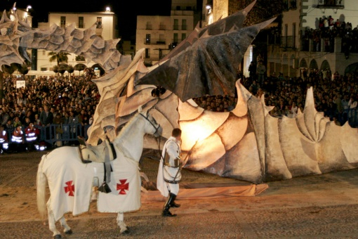Burning the dragon in the Plaza Mayor square Fiesta of San Jorge