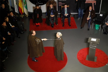 The traditional ceremony of the Encomenda do Cocido, which welcomed new members in 2020, including Benedicta Sánchez from Lugo, winner of the Goya Prize for the Best New Actress at the age of 85