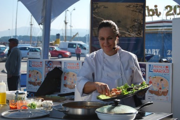 Live cooking demonstration at the Seafood Festival in O Grove (Pontevedra, Galicia)