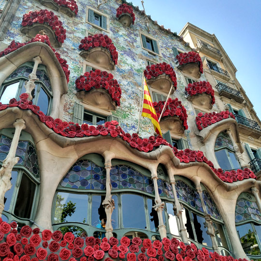 Casa Batlló decorated with roses during the Festival of Sant Jordi, Barcelona