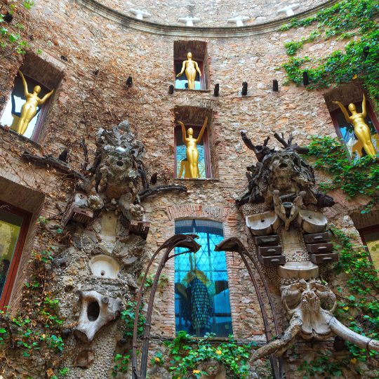 Courtyard in the Dalí Theatre-Museum in Figueres