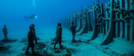 Atlantic Museum in Lanzarote. Crossing the Rubicon, sculptures by Jason deCaires Taylor