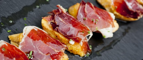 Iberian ham on bread