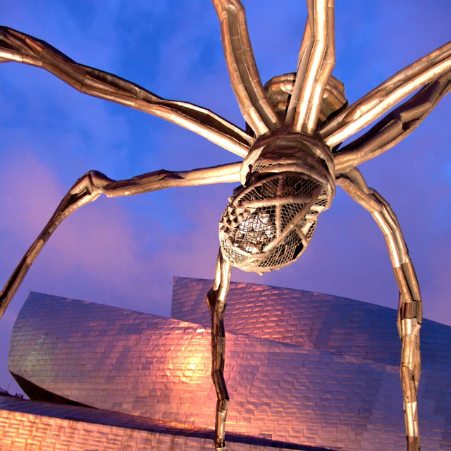 Maman sculpture by Louise Bourgeois, Bilbao