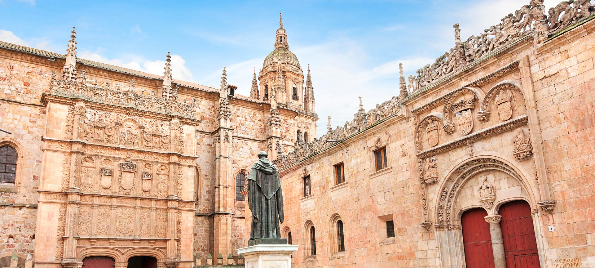 https://www.spain.info/export/sites/segtur/.content/images/cabeceras-grandes/castilla-leon/universidad-salamanca-s131185496.jpg_604889389.jpg