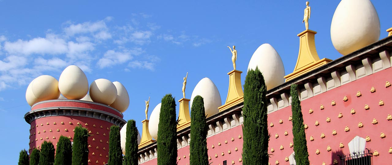 Building decorated with eggs, bread and mannequins